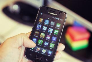 student-smartphones